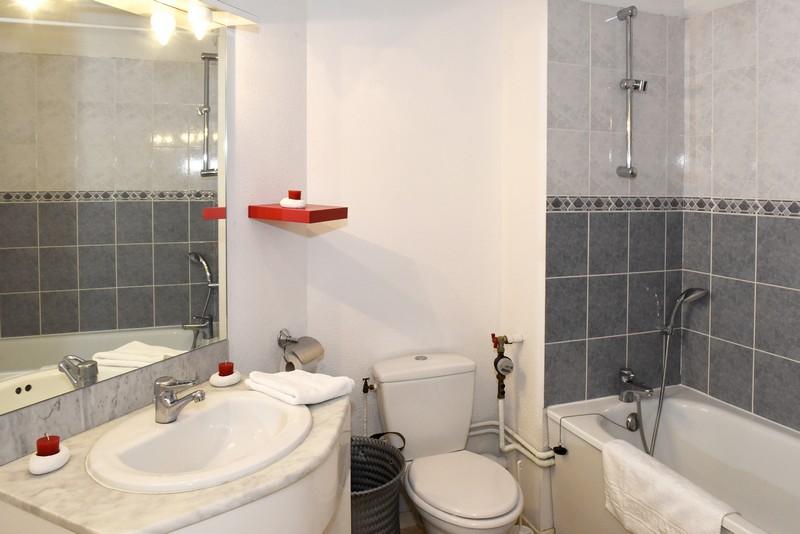 6-Salle de bain Résidence Pythagore Queuleu