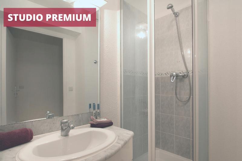 6-Résidence Pythagore Grande Arche - salle de bain premium